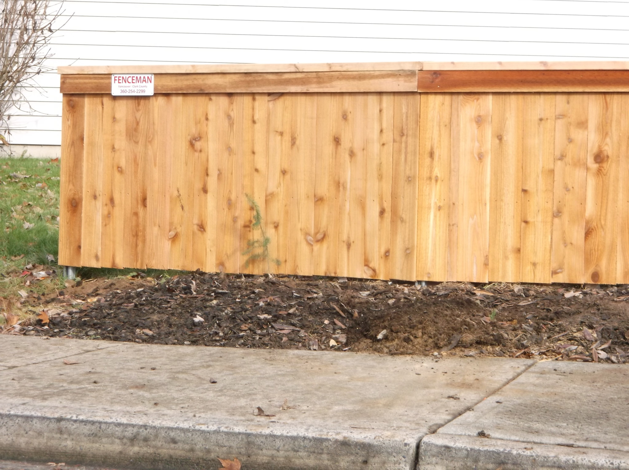 The Fenceman's Privacy Top Cap Fence On Steel Post