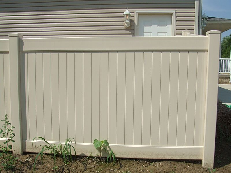 Vinyl Fencing provides a wonderful low maintenance solution for keeping your fence looking pristine. Contact Vancouver Washington's Best Fence Builders. The Fenceman Fence Company installs wood, vinyl, chain link and ornamental iron fences. We also offer materials for the do it yourselfer.