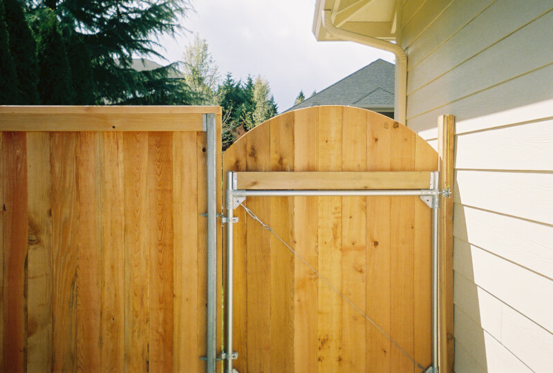 The Fenceman's Steel Framed Gate construction, keeps your gate secure and swinging and properly latching for years to come. Contact Vancouver Washington's Best Fence Builders. The Fenceman Fence Company installs wood, vinyl, chain link and ornamental iron fences. We also offer materials for the do it yourselfer.