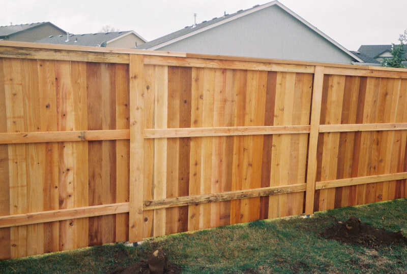 3 Rail Top Cap on Steel Posts with Post covers. Contact Vancouver Washington's Best Fence Builders. The Fenceman Fence Company installs wood, vinyl, chain link and ornamental iron fences. We also offer materials for the do it yourselfer.
